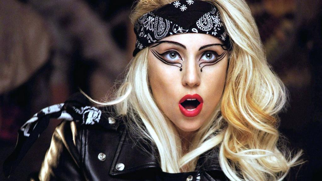 MusikHolics - Lady Gaga