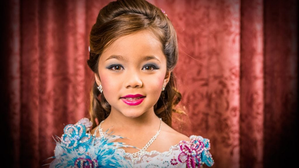 MusikHolics - Are child Beauty Pageants Good or Bad for Their Development?
