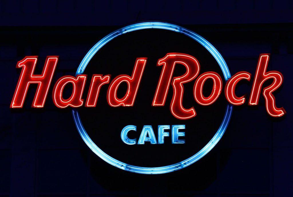 MusikHolics - Hard Rock Café Vienna Retail Manager Interview