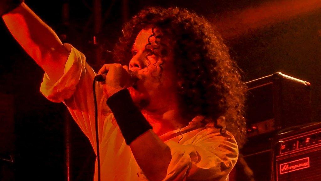 MusikHolics - Guerra Santa's Marino Vázquez's interview