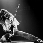 MusikHolics - Van Halen - The History and Making of their debut album